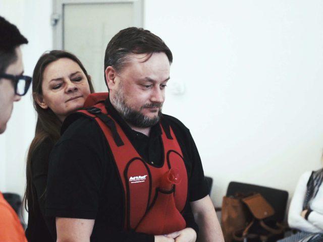 C0003.00 01 07 18.Still006 640x480 - Praktyczne szkolenia zudzielania pierwszej pomocy
