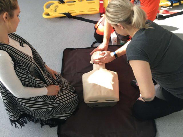IMG 4777 — kopia 640x480 - Praktyczne szkolenia zudzielania pierwszej pomocy