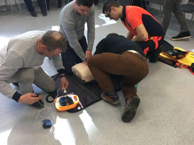 IMG 4781 640x480 - Praktyczne szkolenia zudzielania pierwszej pomocy